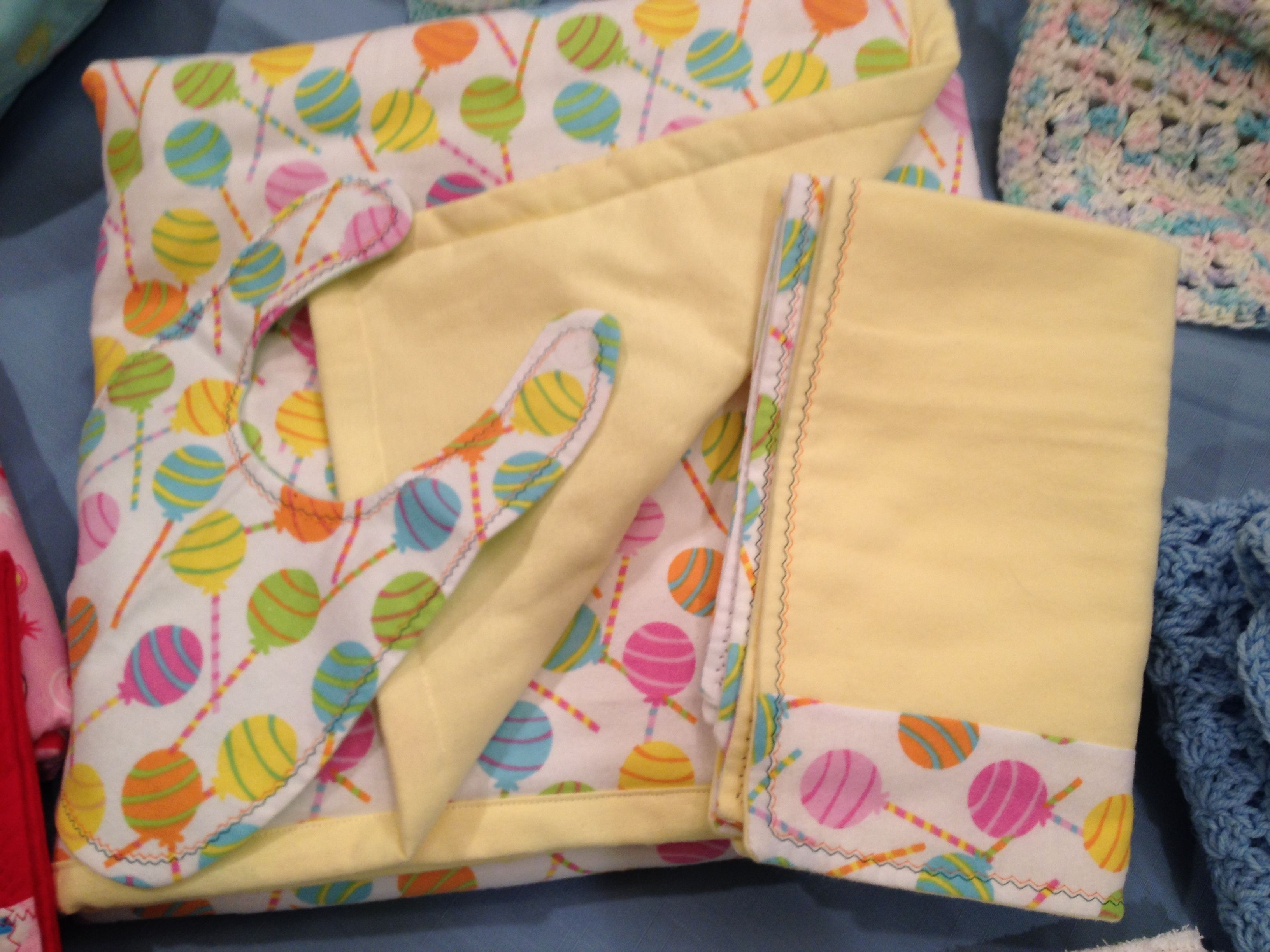 Lollipop Quilt,bib and burp cloth. Too Sweet!