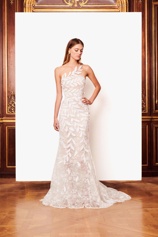1f9a1cbde93 Oscar de la Renta Bridal Fall 2018 Collection Photos - Vogue