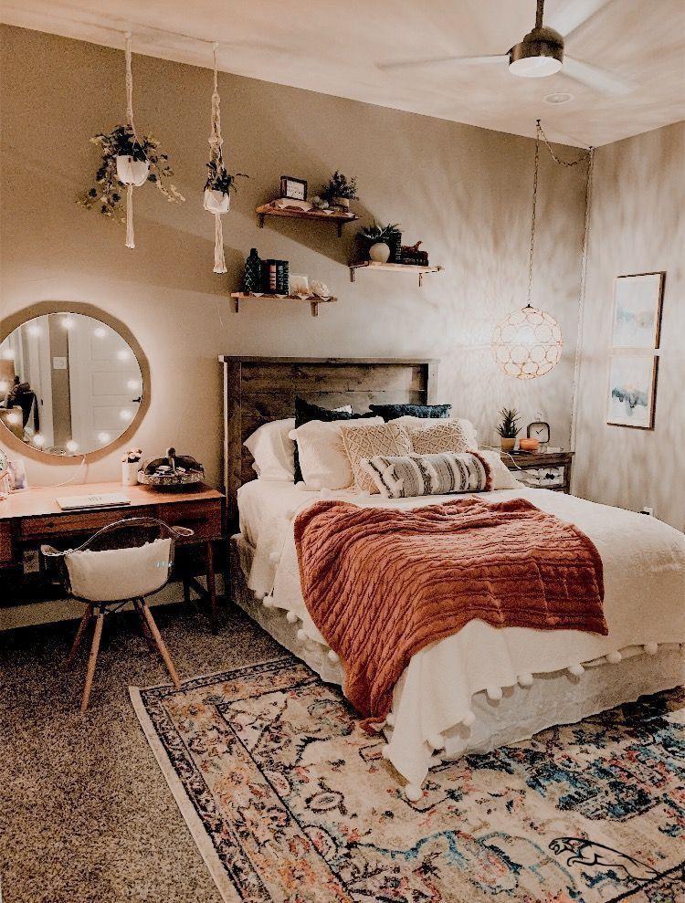 pinterest//vintagemelanie in 2020 Aesthetic bedroom