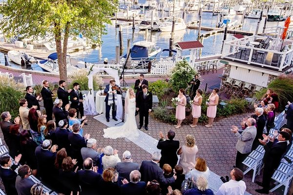 Beautiful wedding ceremony at the Saybrook Point Inn & Spa in Saybrook Conneticut
