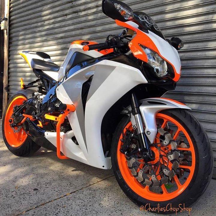 Orange wheels #honda #motorcycle #sportbike #superbike #bike #bikelife http://buff.ly/2rKGs5K
