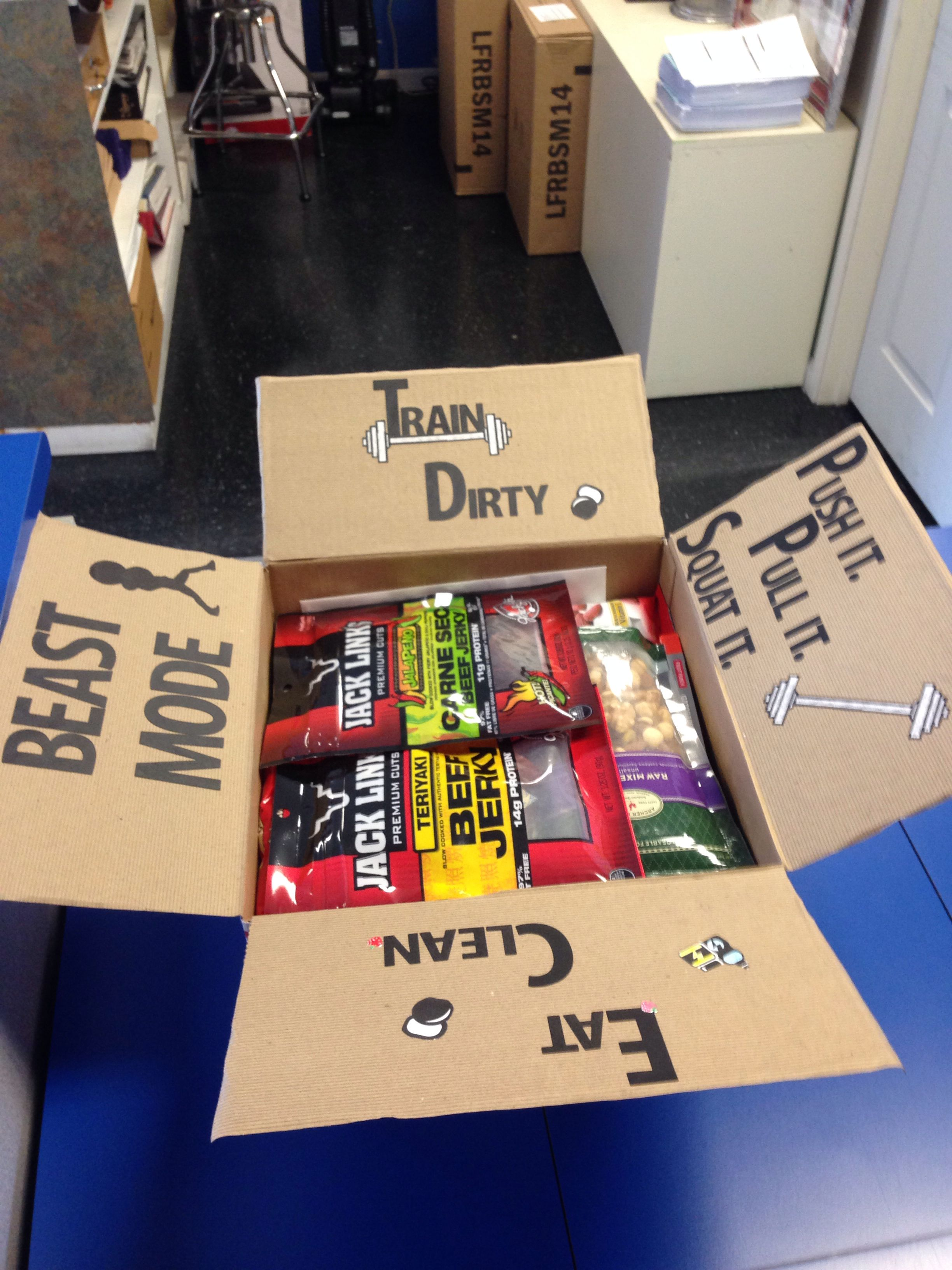 Workout care package to a friend. Healthy snacks, workout