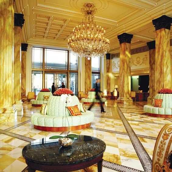 Palace versace in australia designed by gianni versace versace palace of the gold coast in - Versace living room design ...