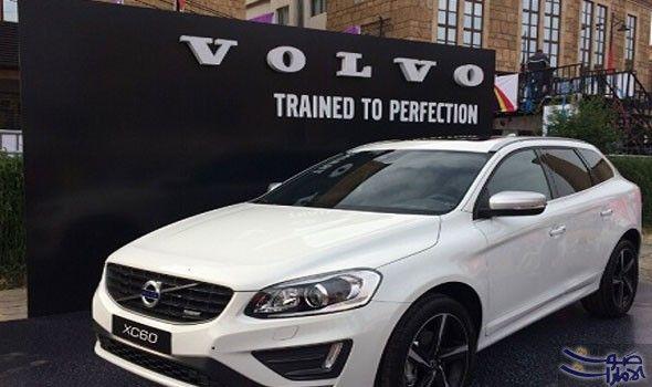 فولفو تخطط لاستدعاء 127 ألف سيارة بسبب تنوي شركة فولفو السويدية استدعاء حوالي 127 ألف سيارة ومركبة دفع رباعي حول العالم بسبب خلل فني Car Bmw Bmw Car