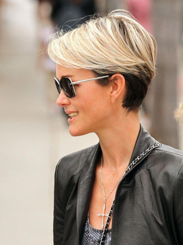 Les plus belles coiffures de Laeticia Hallyday - Elle en 2020   Belle coiffure, Modele coupe ...