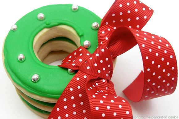 christmas cookie decorating ideas | christmas wreath cookie by the decorated cookie blog & christmas cookie decorating ideas | christmas wreath cookie by the ...