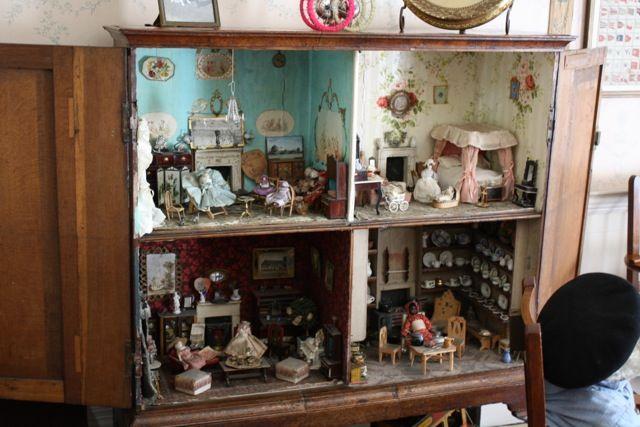 vintage cinderella doll house hutch