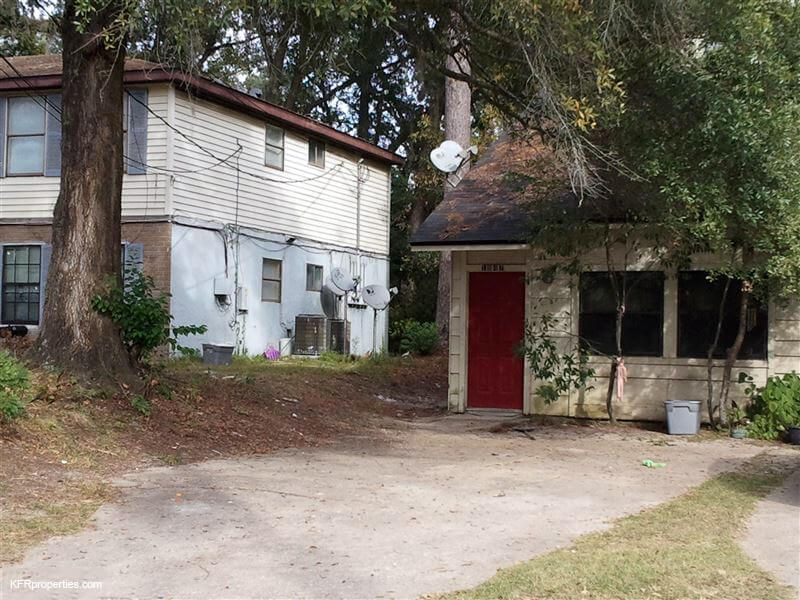 1847 Nekoma Court Tallahassee FL 32304 This is a very