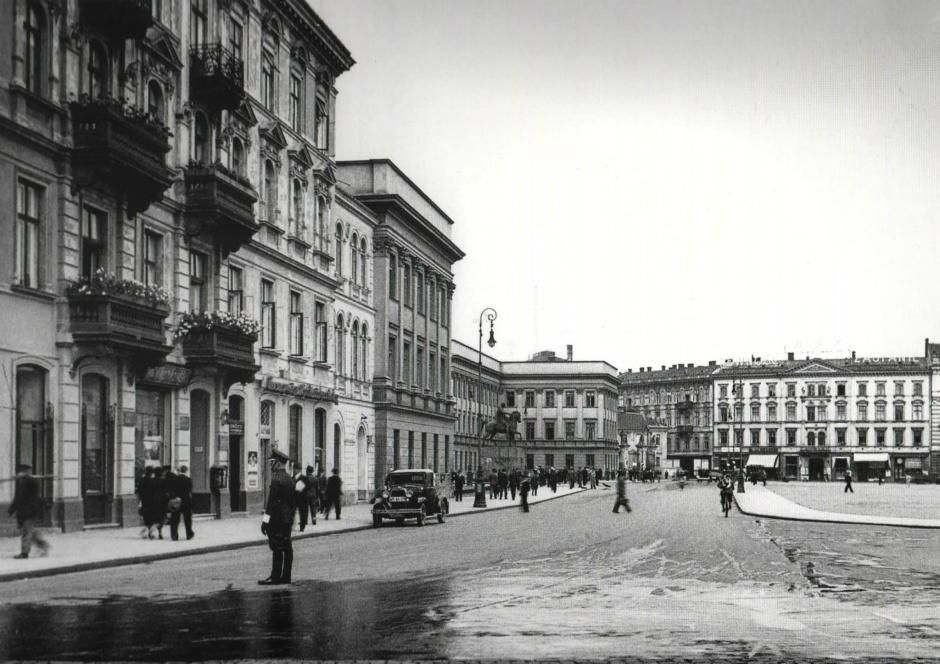Mało znane zdjęcia z ulic przedwojennej Warszawy - Joe Monster