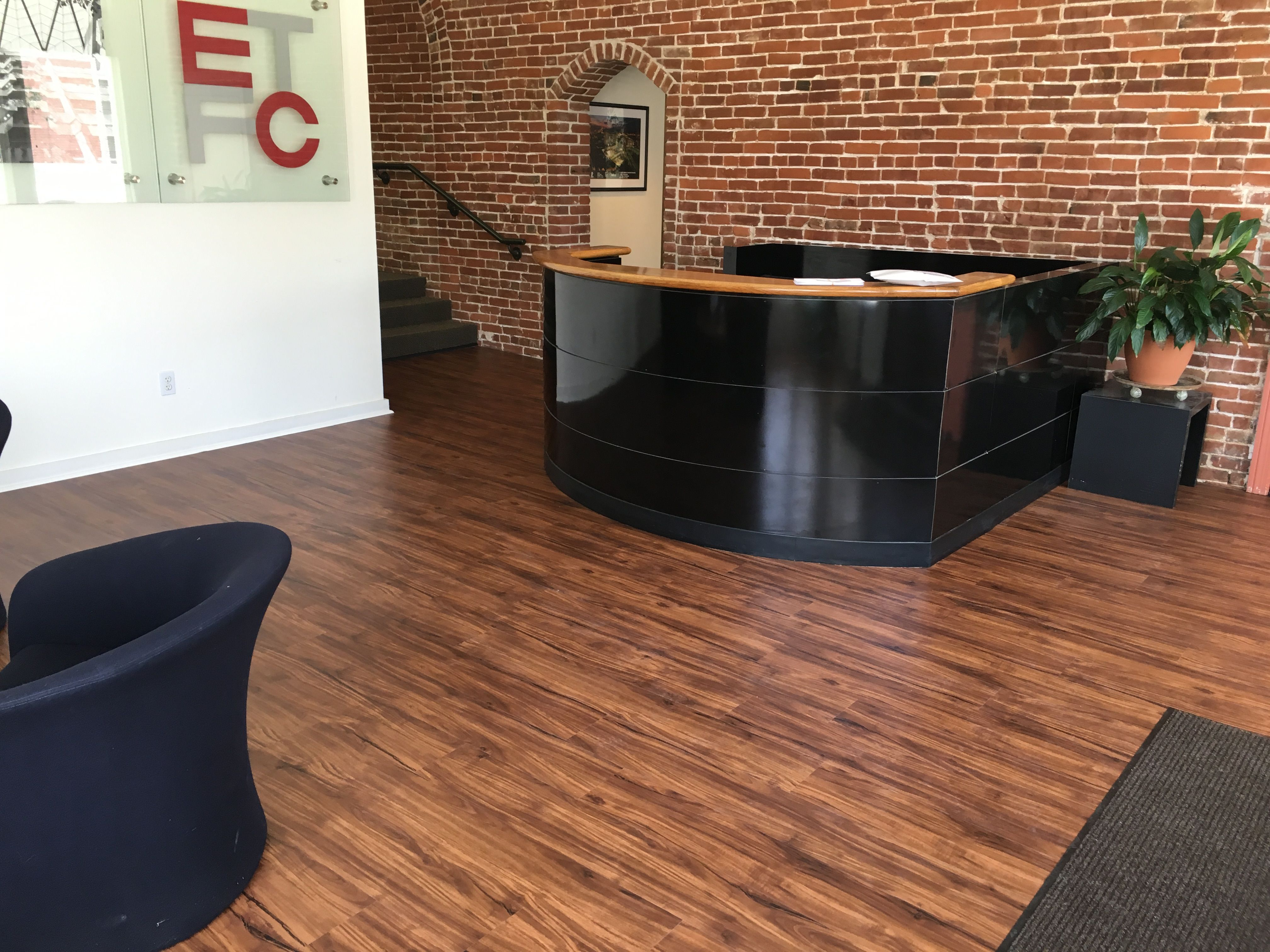 Prestige Options Lvt In Color Acacia Item Pres879cl Etfc Architects In Downtown Memphis Tn Installed Bpi S Prestige Lvt In T Flooring Interior Design Design