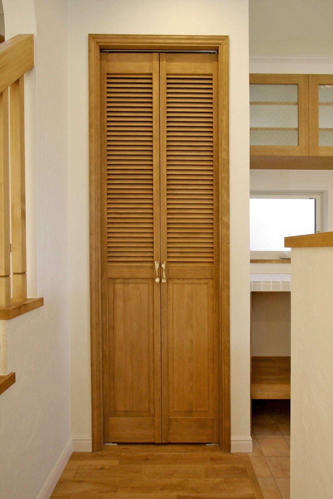 室内ドア パントリー 収納 ルーバー ドア 造作ドア 扉 インテリア ナチュラルインテリア 注文住宅 施工例 ジャストの家 Door Interior House Homedecor Housedesign ドアのデザイン ルーバードア 家