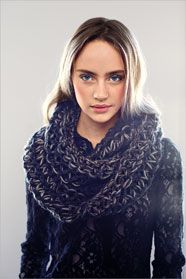 3af2ddf23fe dámský ručně pletený nákrčník z přízí Dione a Natura nebo Souflé Knit  Crochet