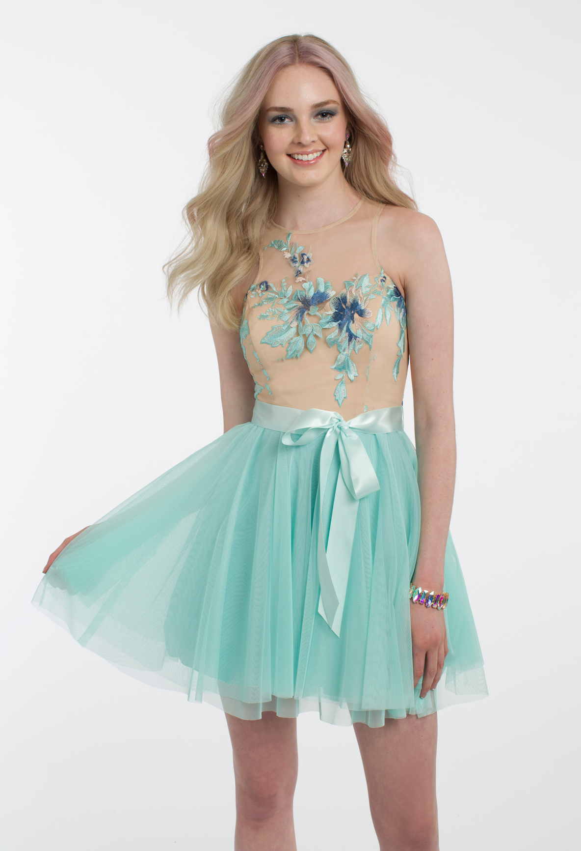 All eyes will be on you in this gorgeous party dress! The illusion ...