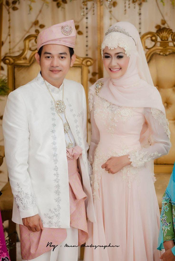 Contoh+Baju+Kebaya+Pengantin+Muslim+Pasangan.jpg (12×12)  Gaun