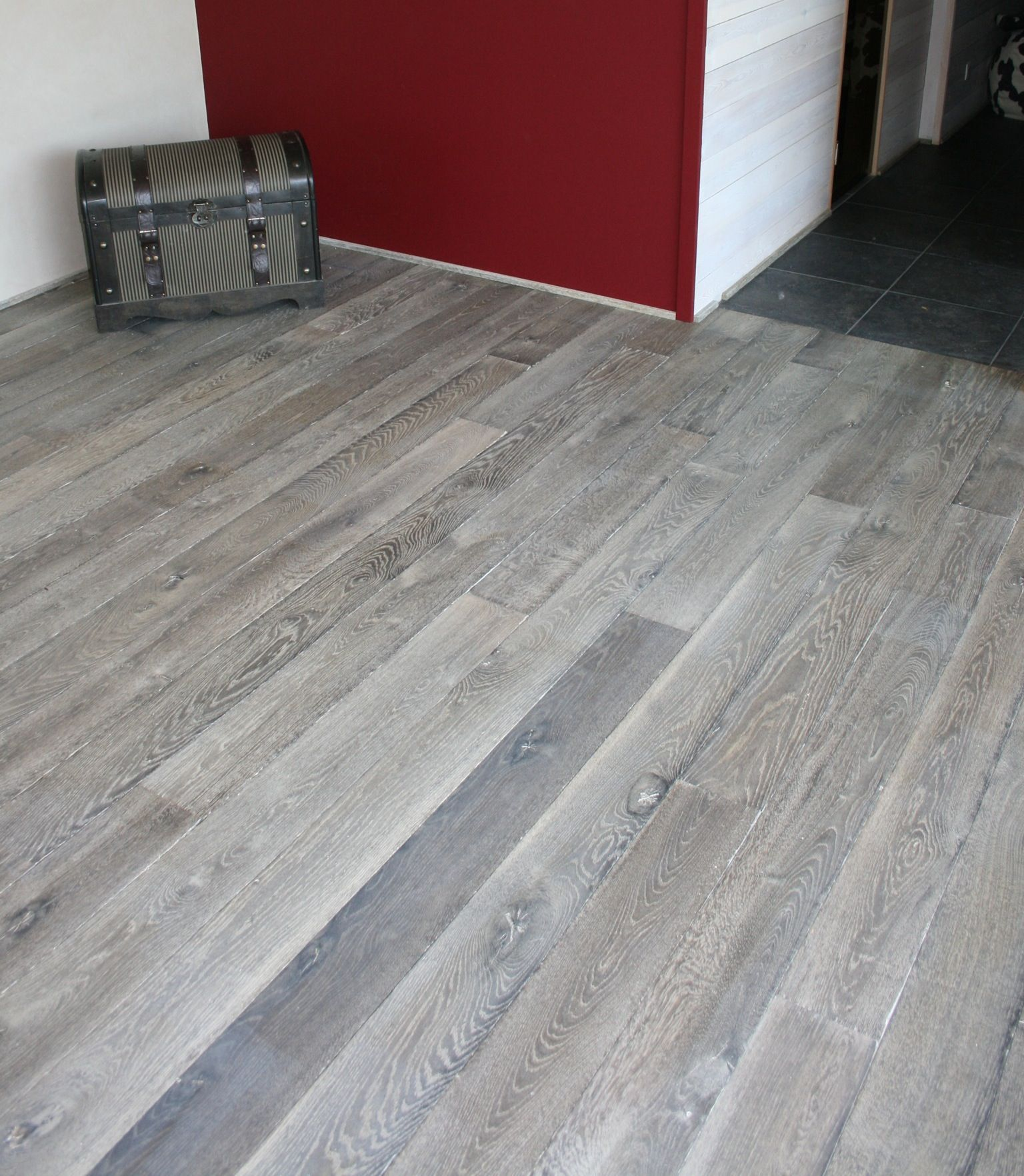 Gray wood floor old grey reclaimed engineered floor for Grey bathroom laminate flooring