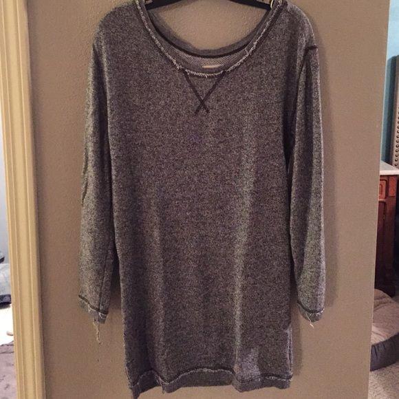 Aerie tunic sweatshirt Aerie tunic sweatshirt... Size m aerie Tops Sweatshirts & Hoodies