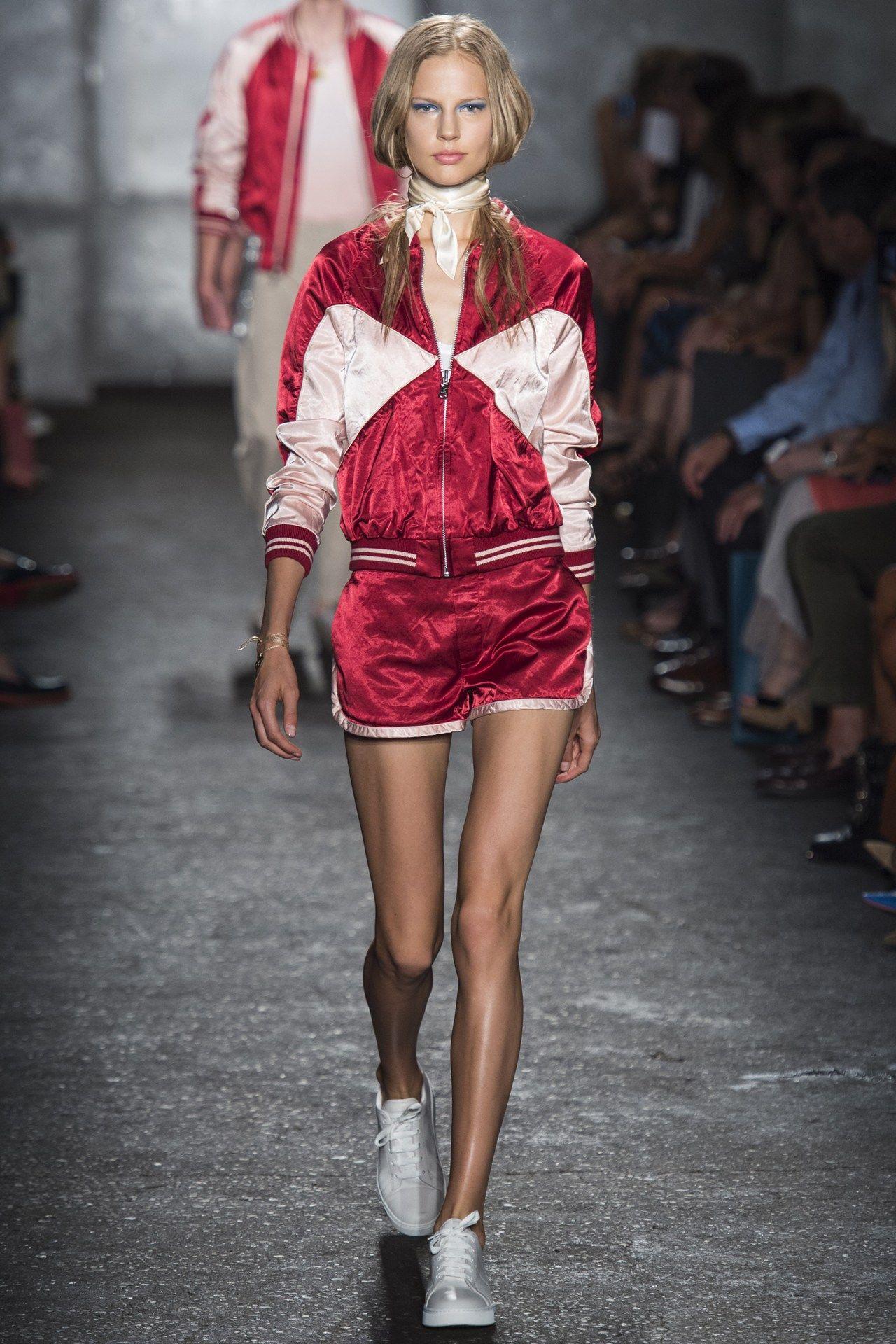 Fashion style Fashion Spring trend: chic sportswear for lady