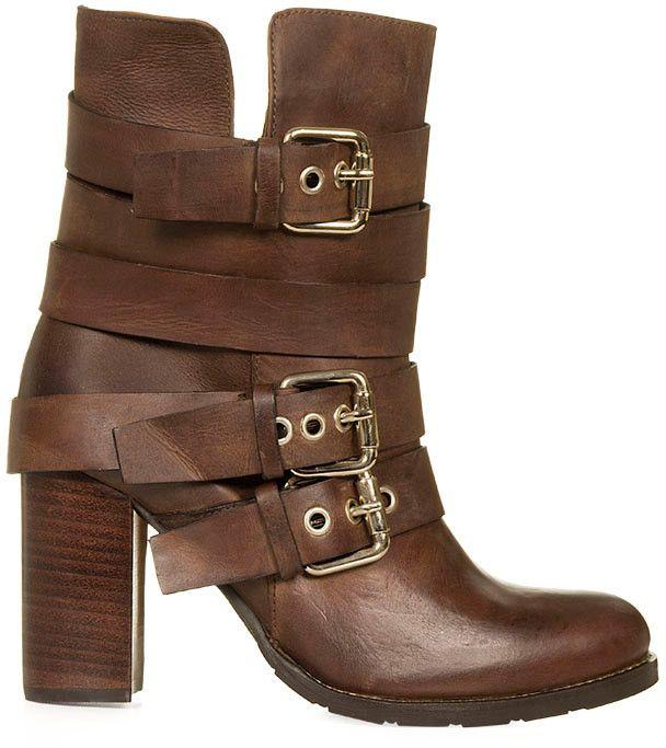 c84b81c65 bota tratorada com fivelas - botas sem-marca   Oh, Cinderela!   Moda, Moda  feminina e Bota tratorada