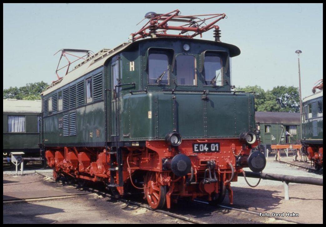 E 0401 am 26.8.1990 in der Ausstellung des BW Magdeburg