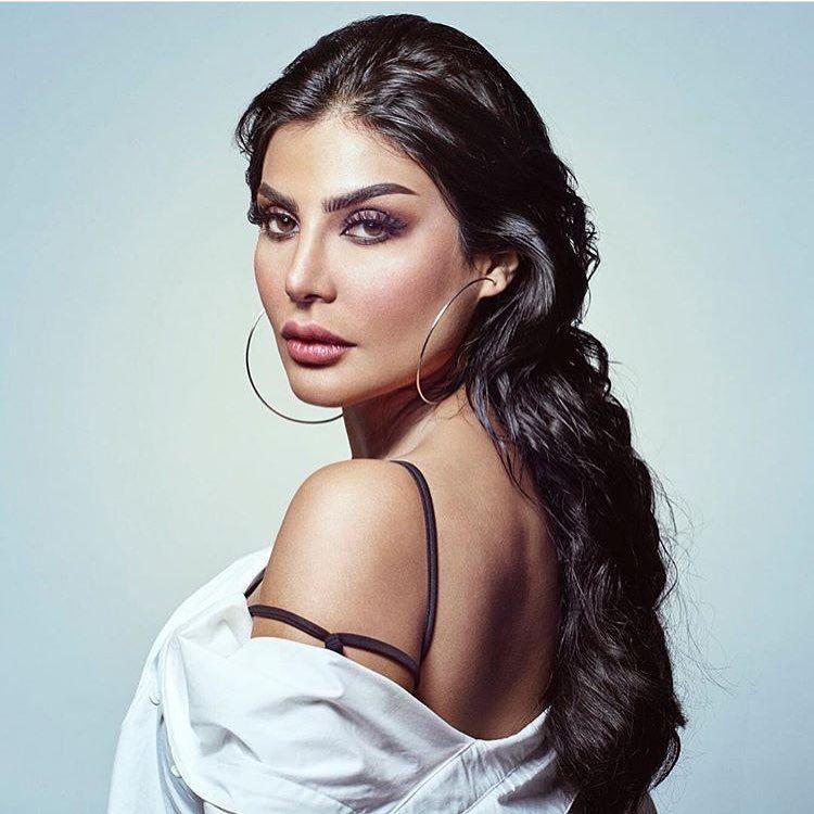 أمل العوضي Beautiful Arab Women Arabian Women Arab Beauty