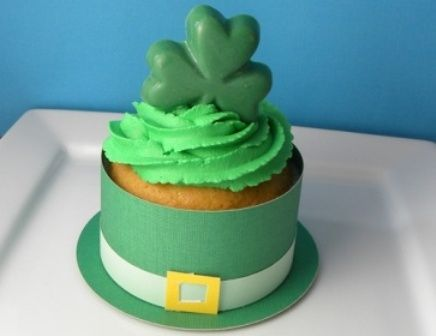 cute St. Patrick's Day cupcake holders