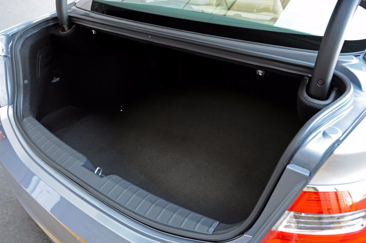 The Hyundai Azera S Trunk Has Over 16 Cubic Feet And Is Large