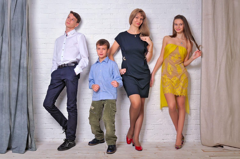 Семейная фотосессия в студии / Family photoshoot in studio