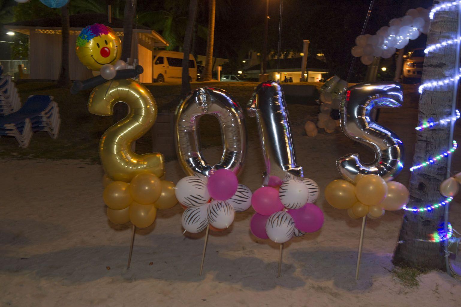 Happy 2015- New Years Eve Decor on the Beach ( Balloon ...