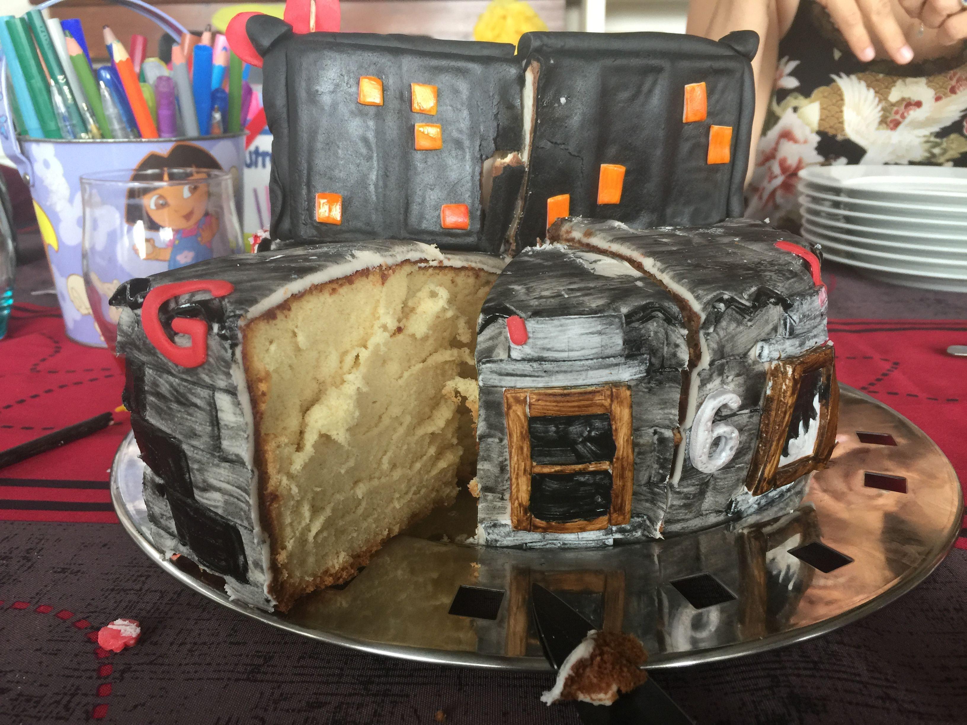 Gateau Spiderman   Gateau spiderman, Gâteau fait maison, Gâteau pâte à sucre