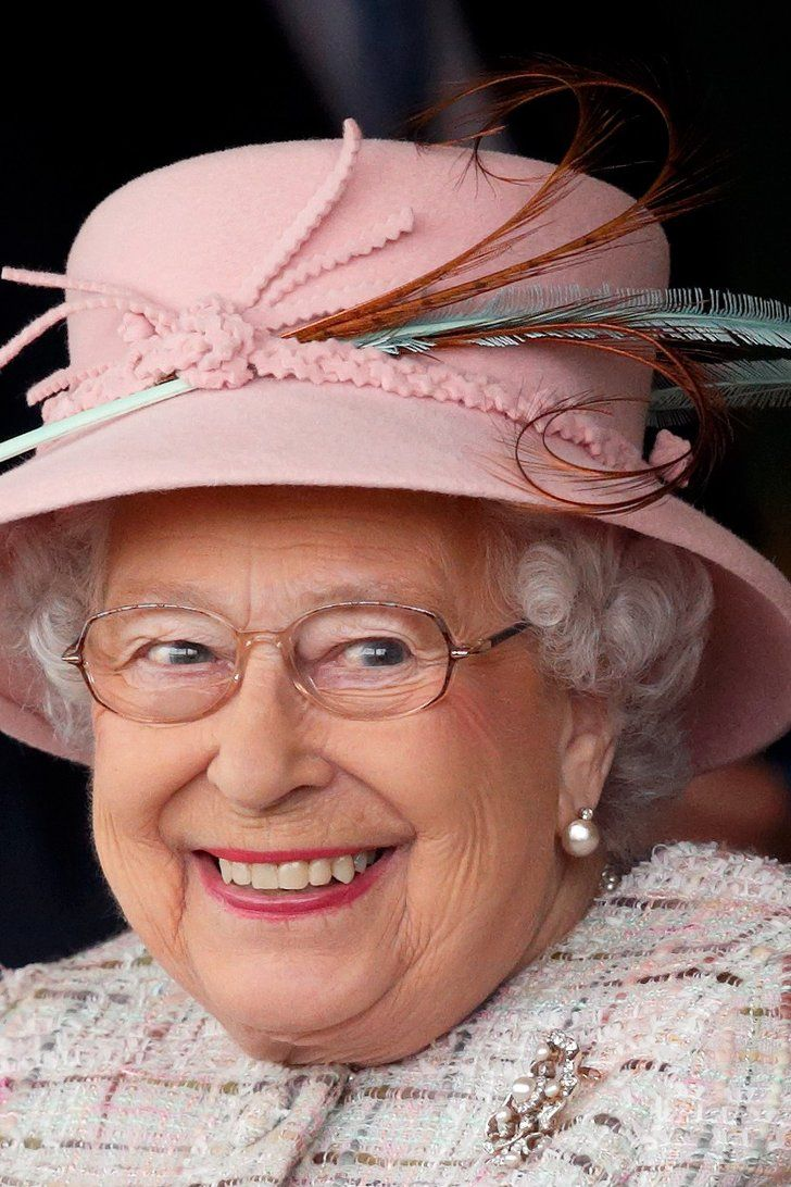 16 of the Most Unexpectedly Funny Things Queen Elizabeth ...