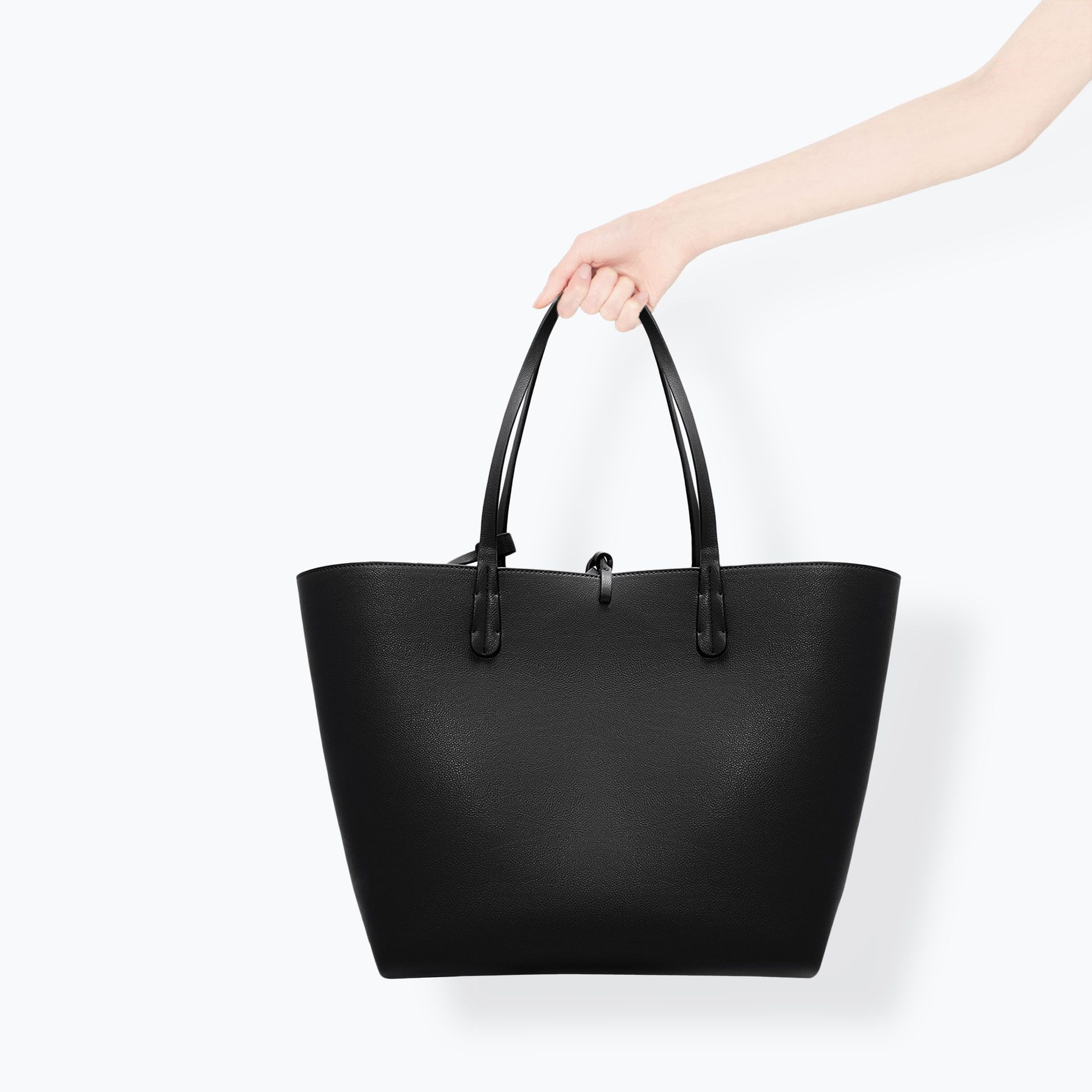 Image 4 of REVERSIBLE CONTRAST SHOPPER from Zara