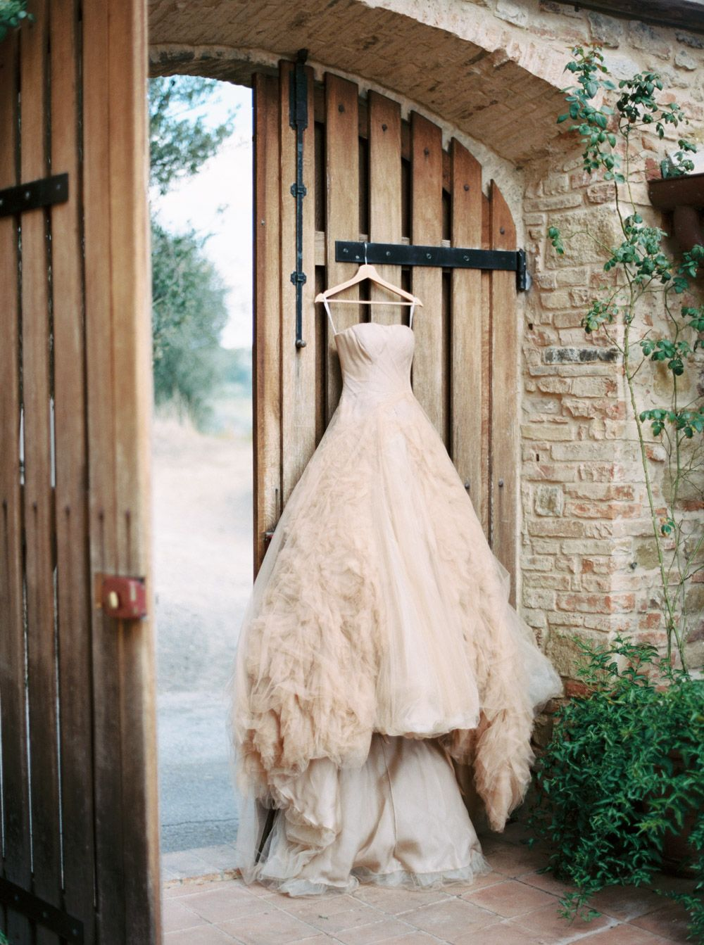 Redneck wedding dress  Classic Villa Wedding in Tuscany Vera Wang gown By Katie Grant