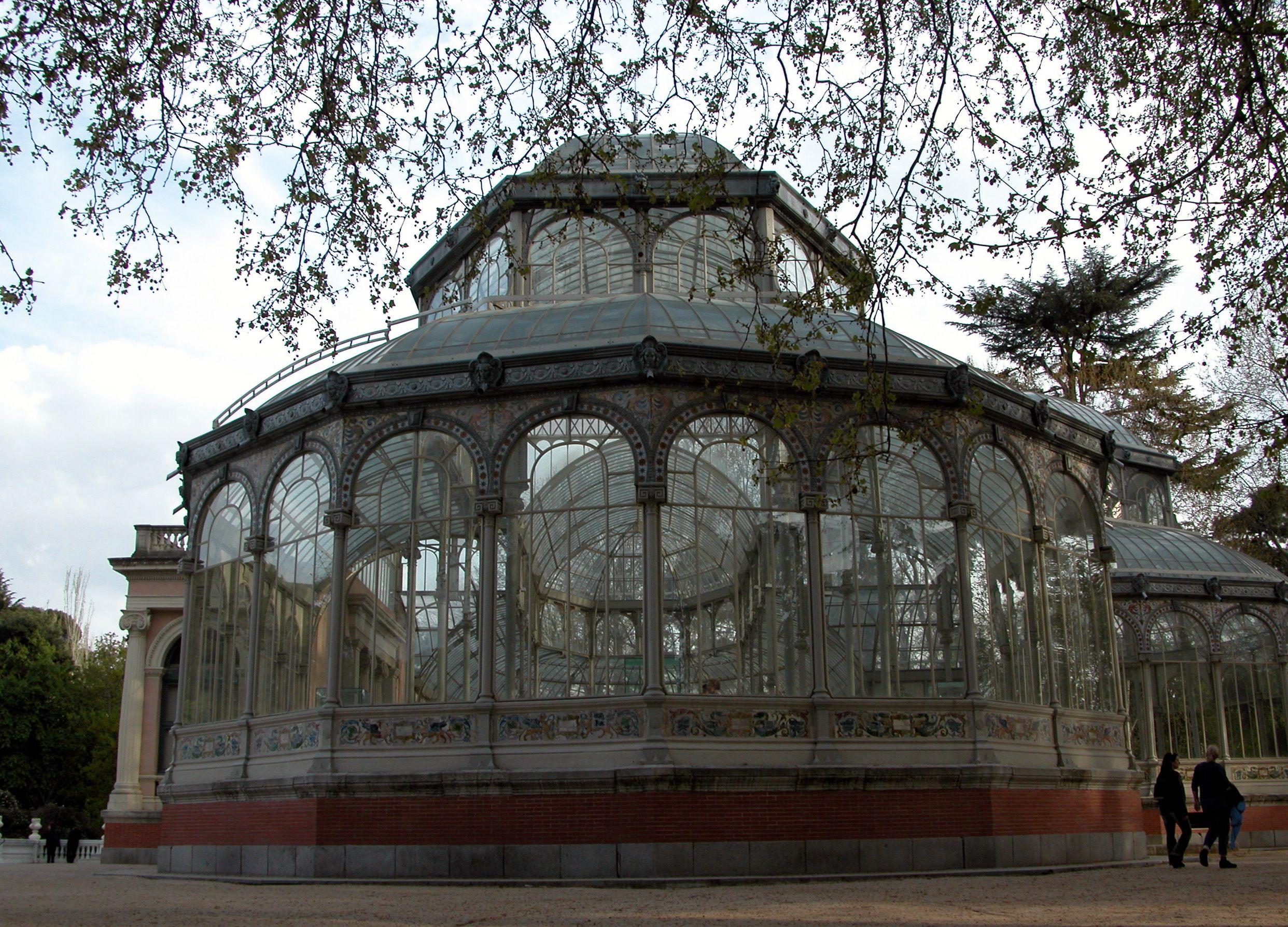 Palacio de Cristal is a beautiful crystal building. The palace is in Retiro Park, Madirid Spain.
