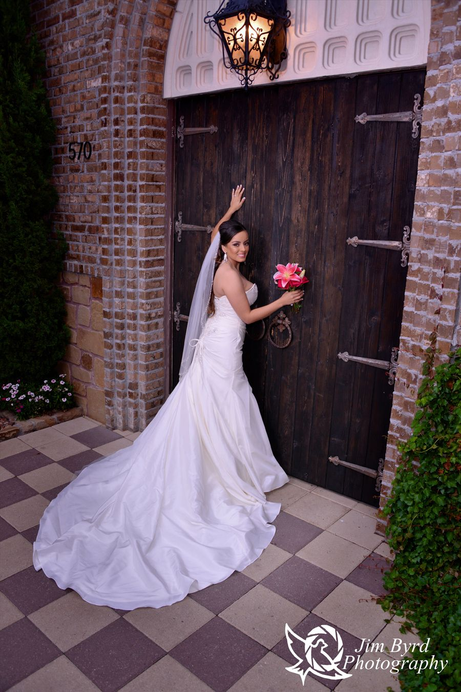 Lovely bride at Aristide Event Center in Mansfield, TX ...