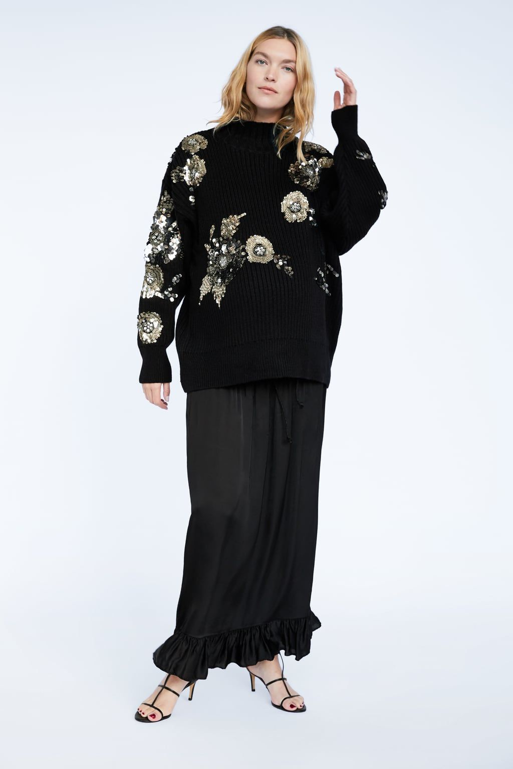 b67cc9609c3 Image 1 of FLORAL SWEATER WITH SEQUINS from Zara