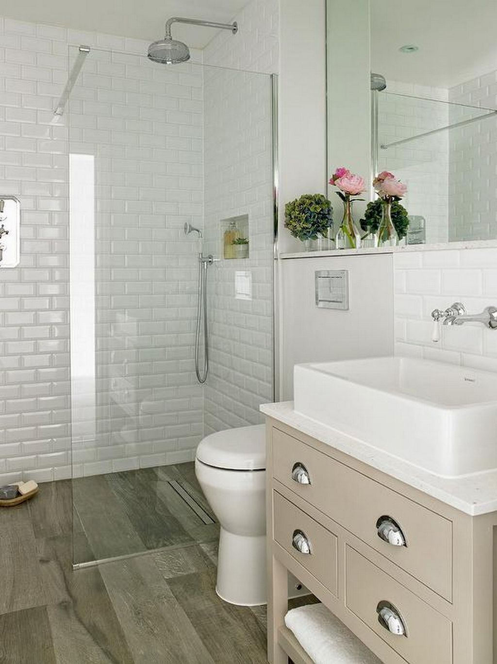80 Amazing Master Bathroom Remodel Ideas (33 in 2019 ... on Amazing Small Bathrooms  id=17966