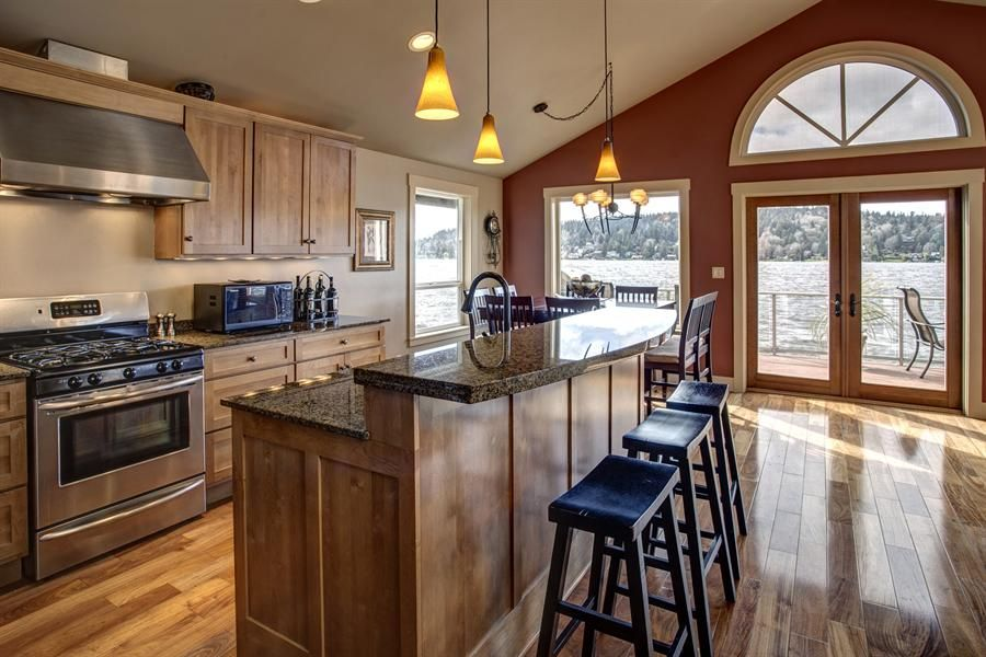 kitchen island raised bar google search kitchen corners pinterest kitchens kitchen. Black Bedroom Furniture Sets. Home Design Ideas