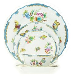 herend queen victoria blue dinnerware  sc 1 st  Pinterest & herend queen victoria blue dinnerware | breakables | Pinterest ...