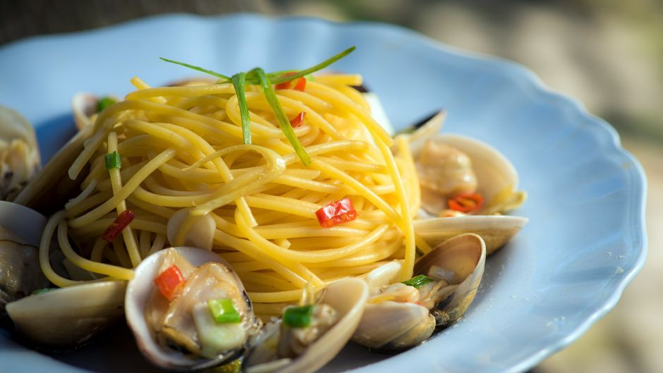 Lemongrass clam pasta asian food channel seafood pinterest lemongrass clam pasta asian food channel forumfinder Images