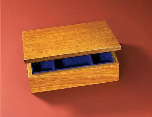 Build your own feltlined jewelry box to keep jewelry and other