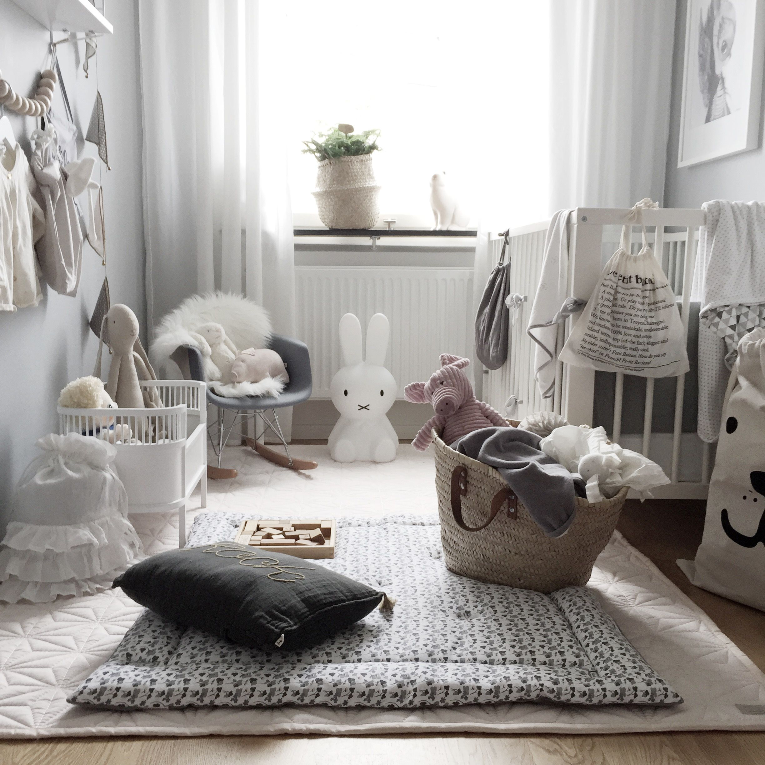 barnrum gr bas kinderzimmer pinterest kinderzimmer kleinkind zimmer und zimmergestaltung. Black Bedroom Furniture Sets. Home Design Ideas