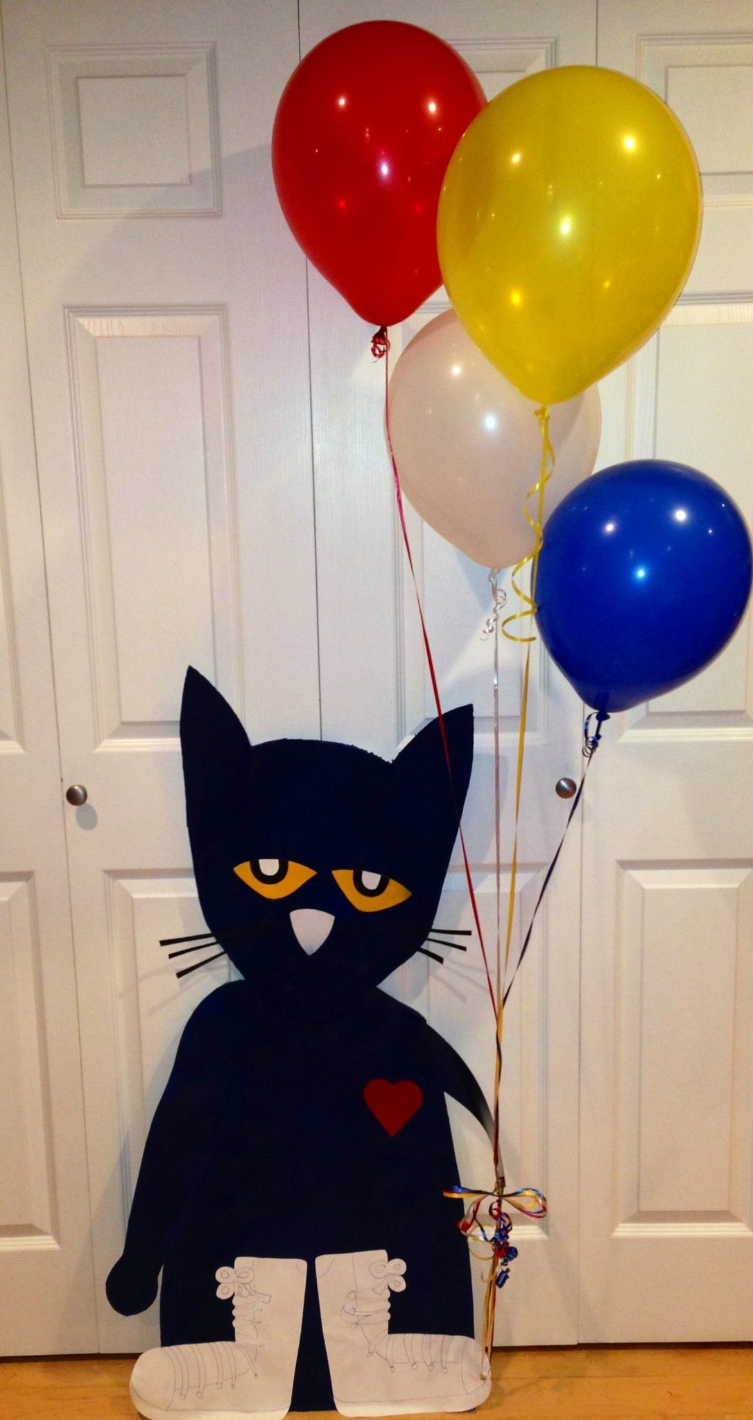 I Made A Life Size Pete The Cat My Daughter Went To Say