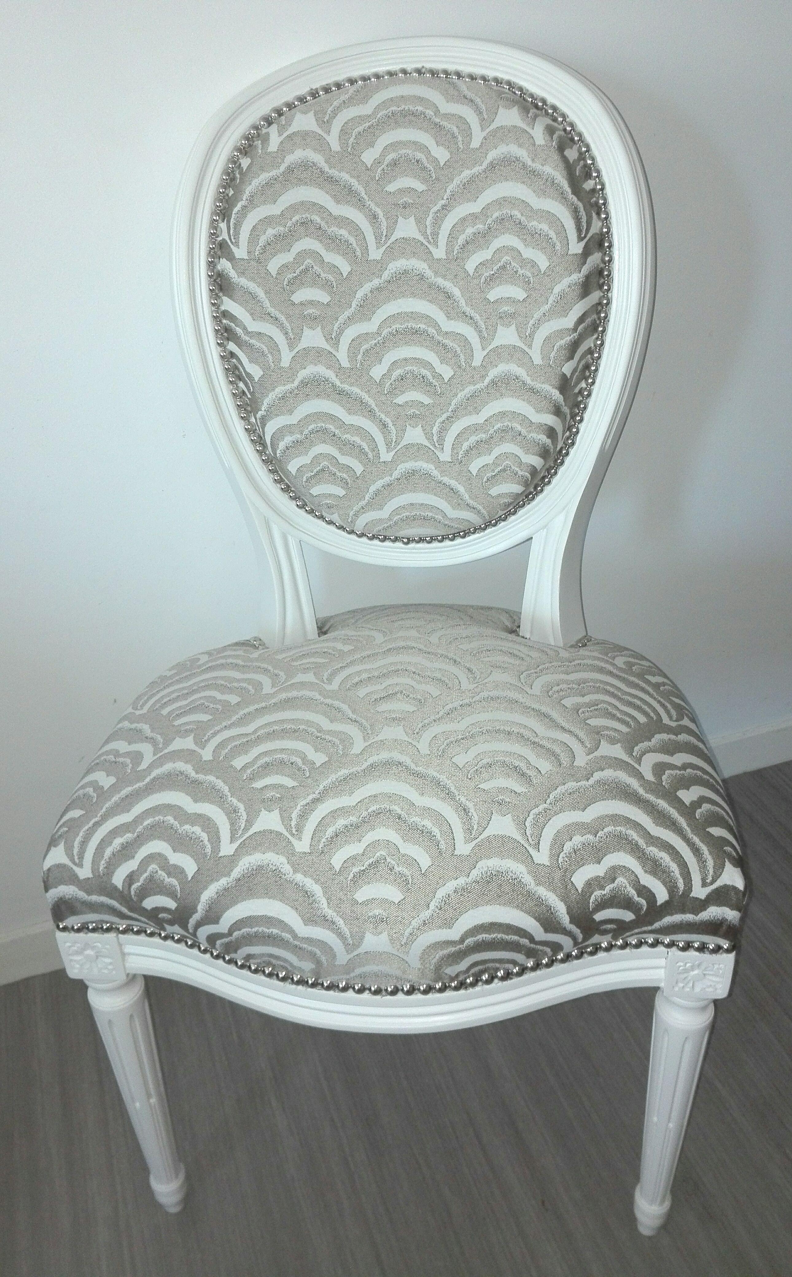 Chaise Medaillon De Style Louis Xvi Relookee Furniture Home Decor Decor