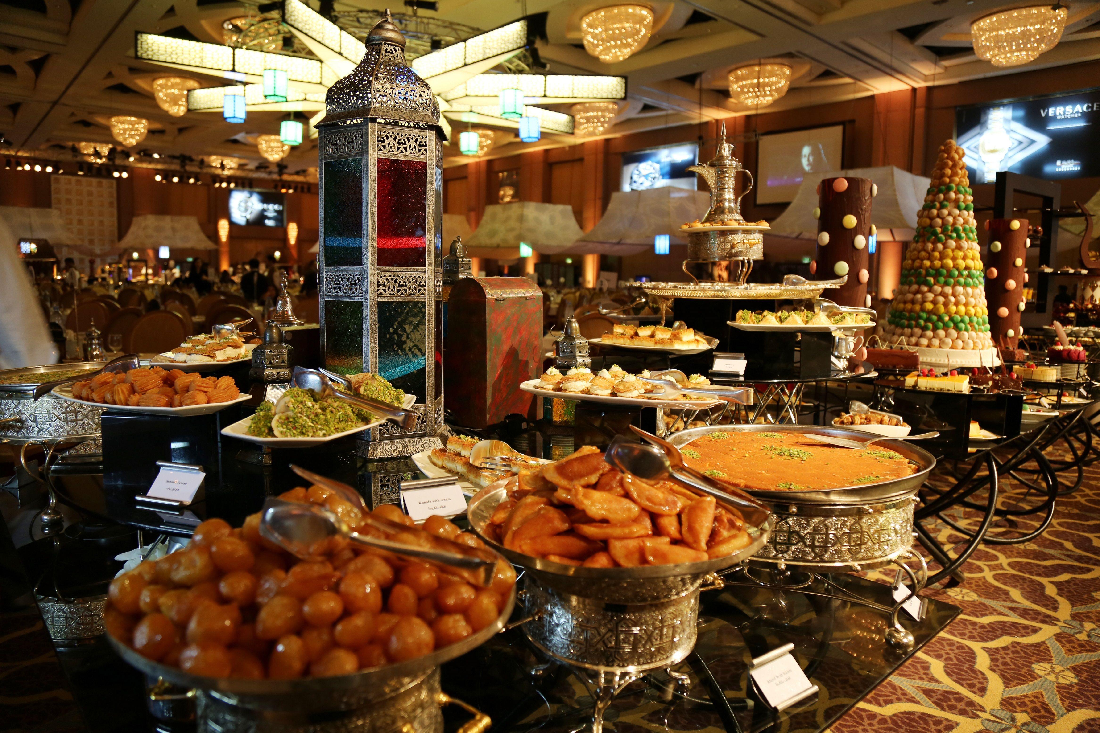 A Dessert Buffet With A Wide Variety Of Offerings At Four Seasons Hotel Riyadh Ramadan Tent Ramadantome Fourseason Dessert Buffet Ramadan Celebration Buffet