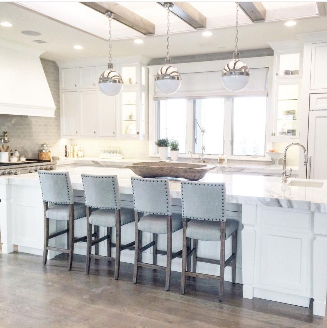 Everything about this house designs stools for kitchen - Kitchen island with stools ...