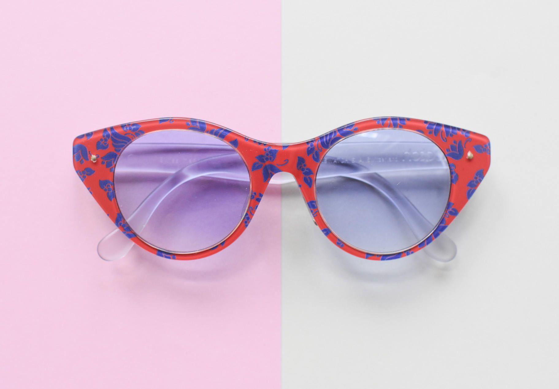 Swatch Katzenaugen Sonnenbrille, Brille mit Blumenmuster ...