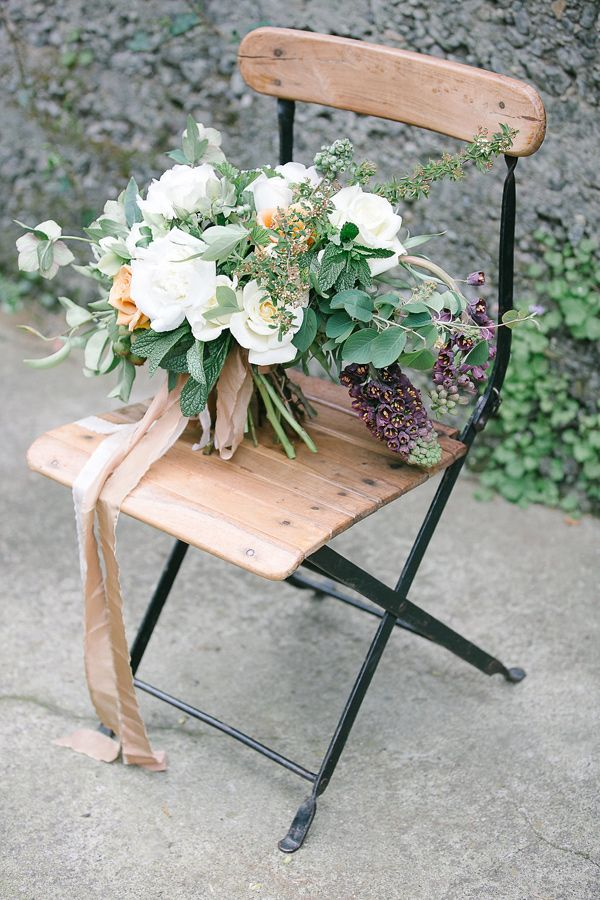 organic inspired wedding bouquet - photo by Julie Cahill Photography