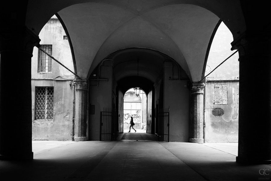 A silhouette by the courtyard by Gaetano Cessati on #500px #Silhouette #Bologna #Street #Girl #Shadows #Courtyard #Italy #Italia #Cortile #Architecture #Architettura