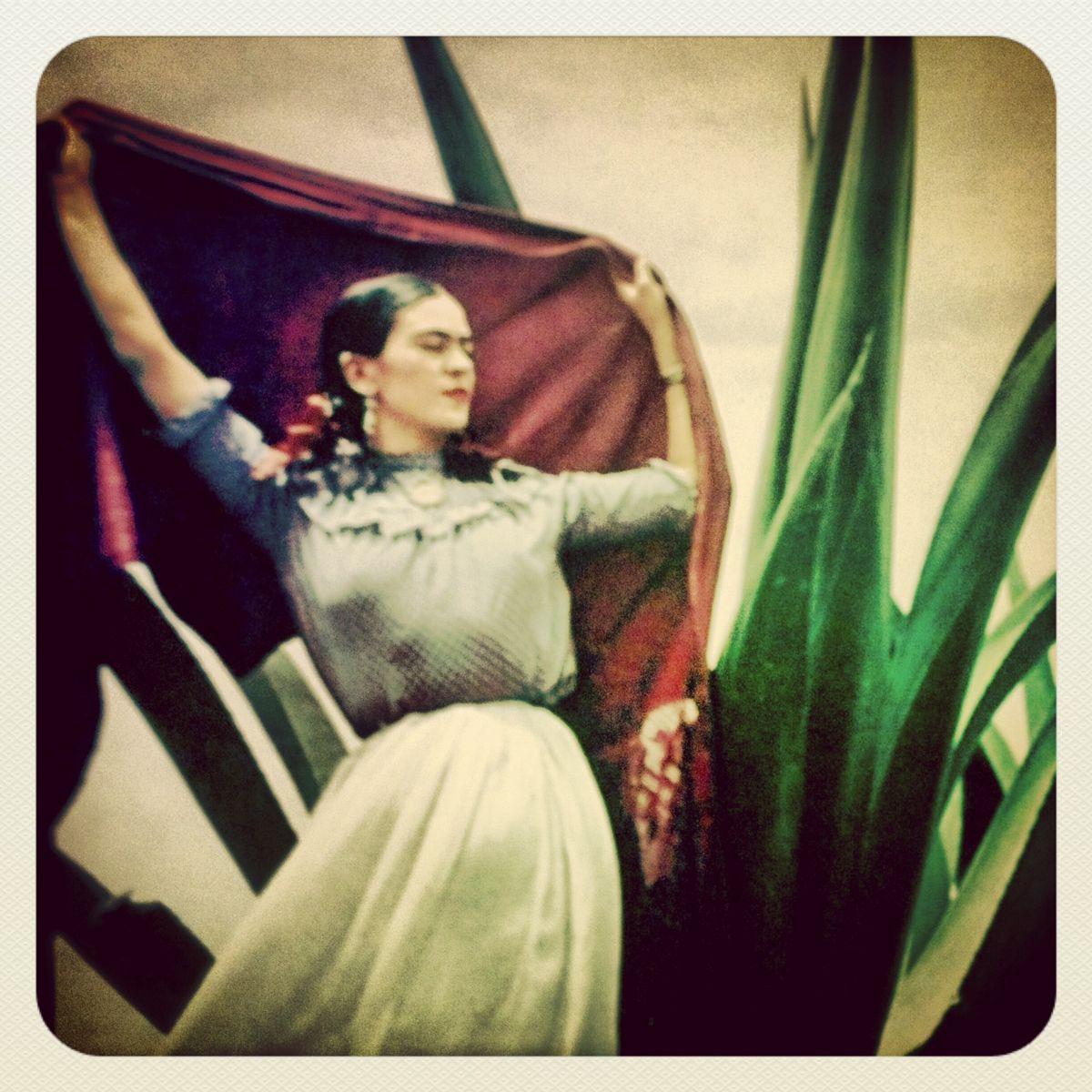 SUPERFICIALsnapshots: Frida Kahlo