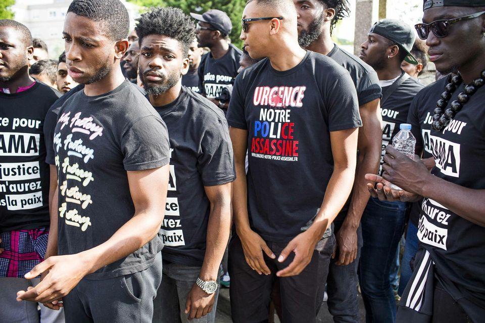 Adama Traore Le New York Times Denonce L Impunite De La Police Francaise Police Beaumont Sur Oise France